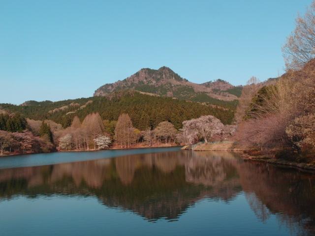 1.0朝の古賀志山.JPG