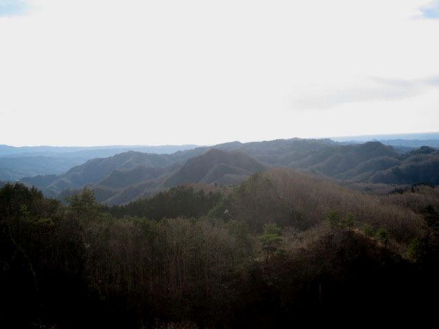 2.01竜神湖を廻る山々.JPG