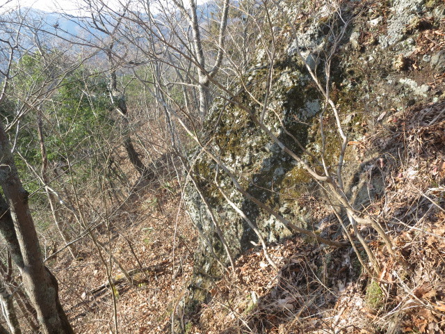 2.2大岩を回り込む.JPG