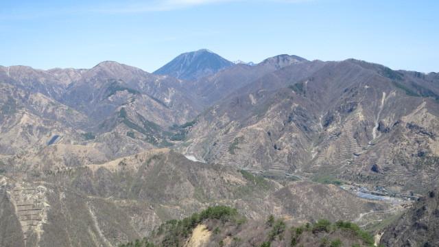 2.2男体山と半月山~社山.jpg