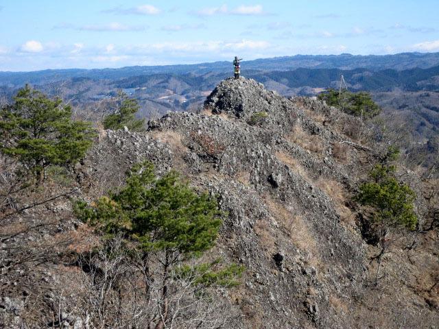 2.6北東に岩稜.JPG