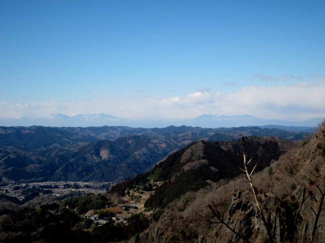 3.3日光連山と高原山.JPG