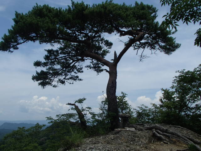 3.4鍋足山.JPG