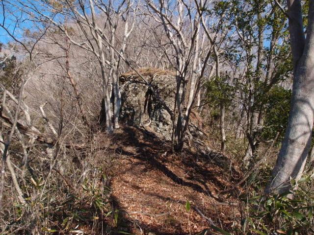 4.3明山の番岩.JPG