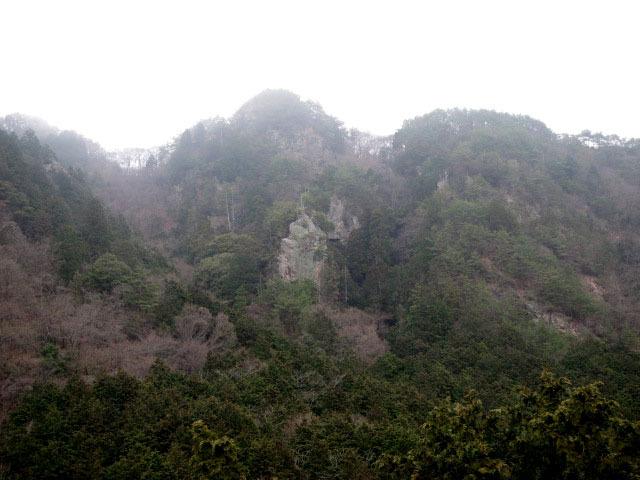 4.3滝岩.JPG