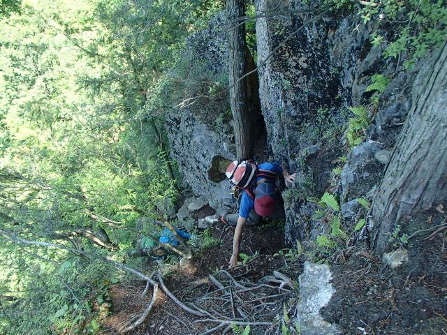 4.6ローソク岩の入り口.JPG